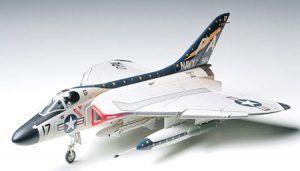 1:48 Tamiya: Douglas F4D-1 Skyray (61055)