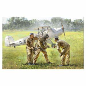 1:32 ICM: German Luftwaffe Cadets (1939-1945) (32103)